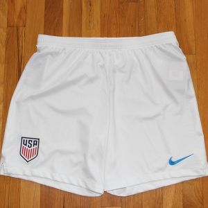 NEW Nike Dri-Fit USA Soccer Shorts Men's L USMNT